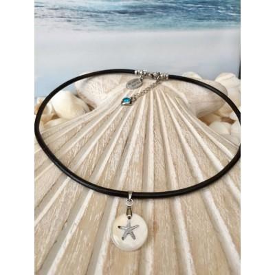 Collier court en cuir avec pendentif en coquillage blanc avec imprimé étoile de mer