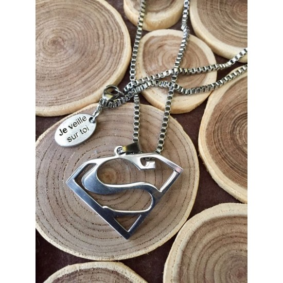 Collier homme superman